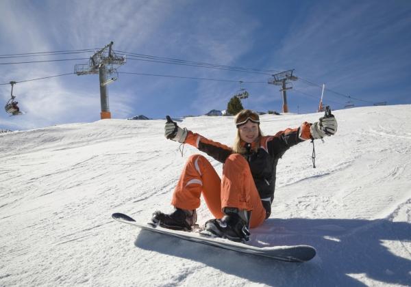 Snowboarding - Best outdoor activities, Interlaken, Switzerland