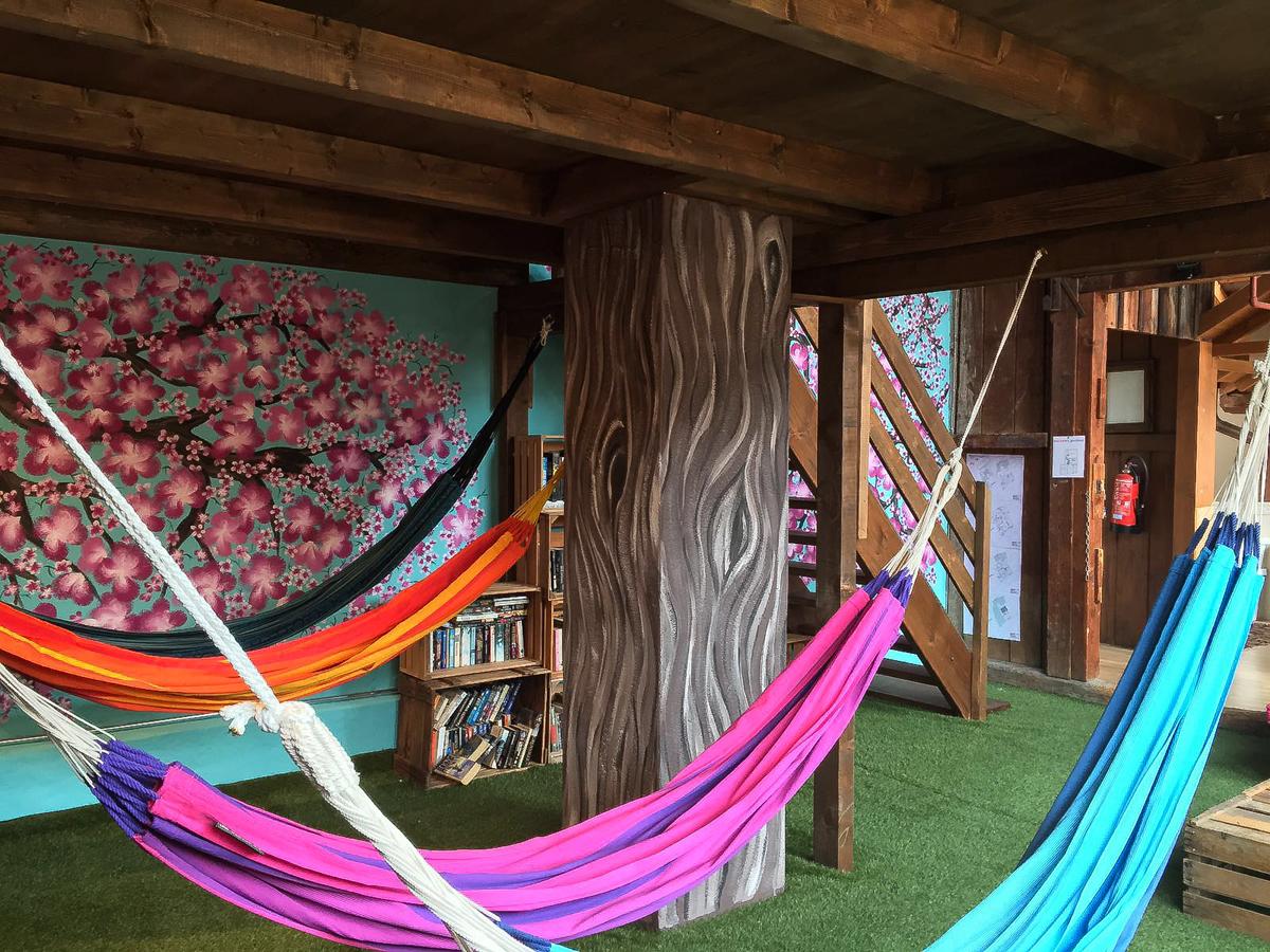 Special Hammock Room Balmers Hostel Camping