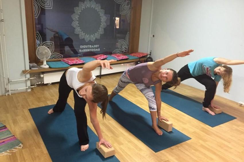 yoga poses_n