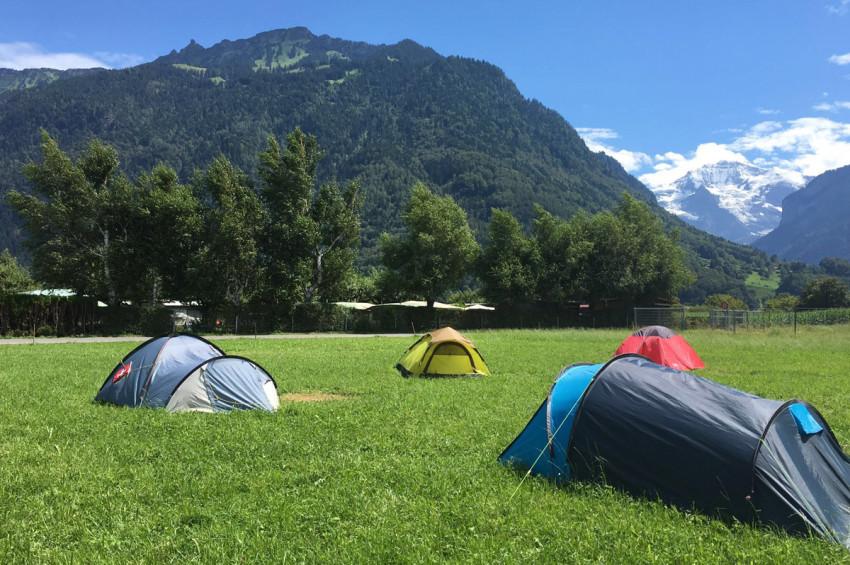 pitch_tent_camping_interlaken_balmers007