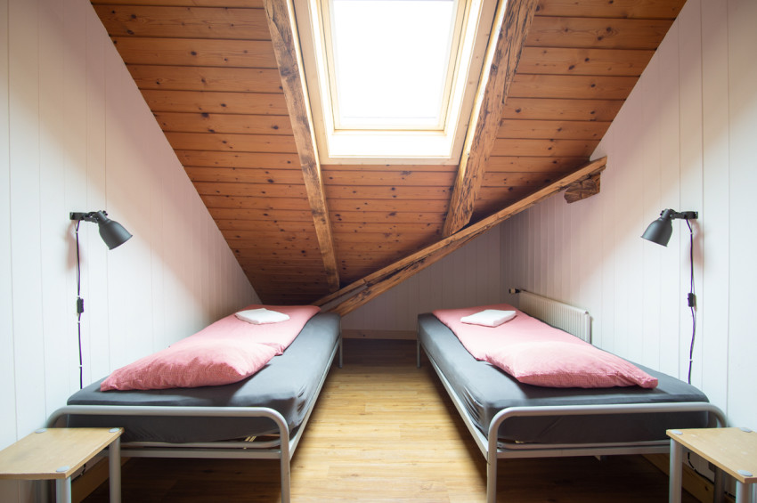 Book direct & save - Single/Double/Twin room - Balmers Hostel