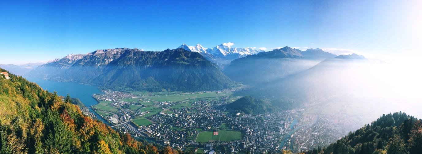 5 must do hikes in Interlaken - beautiful hikes in Switzerland
